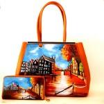 Coordinato borsa dipinta a mano e portafoglio dipinto a mano Linea Cartoline Tramondo in Olanda - immagine a scopo illustrativo