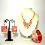 Coordinato (immagine inserita a scopo dimostrativo) dipinto a mano - bracciale orecchini pendente collana dipinti a manao missRosa