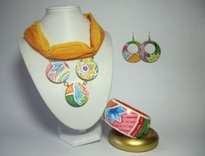 COORD AISHA, composto da collarino foulard, orecchini ciambella e doppio bangle.REPLICABILE E PERSONALIZZABILE