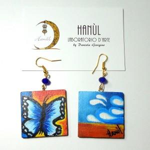Orecchini in legno dipinti a mano Paesaggio con farfalle Dalì