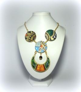 LMLC02 ZAIRA collana in legno dipinta a mano