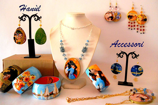 Scopri tutti i bijoux dipinti a mano