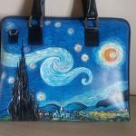Cartella da lavoro, dipinta a mano con la NOTTE STELLATA di Van Gogh.