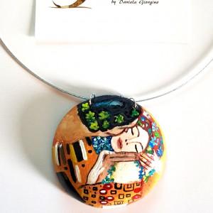 collana in legno dipinta a mano, IL BACIO, Klimt