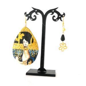 orecchini in legno dipinti a mano giuditta Klimt